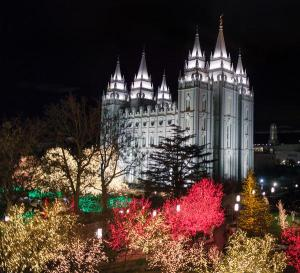 Temple_Square_lights1_2014